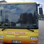 Barevné označení linky na čele autobusu
